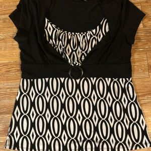 Woman's top black white large Simply French